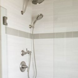 shore-gardens-shower.JPG